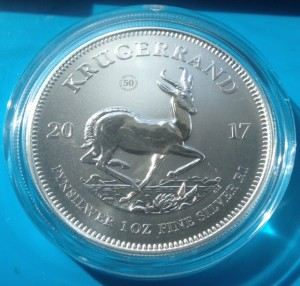 "1 oz Silber Südafrika Krügerrand Premium uncirculated including "" Privy Mark 50 years ""  ( 1 Rand ) ( diff.besteuert nach §25a UStG )"